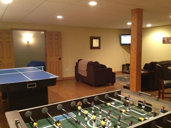 Spring Brook : Rec rooms in the basement have all sorts of fun items