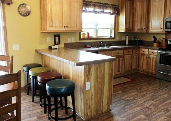 Spring Brook : Eat in kitchen with breakfast bar