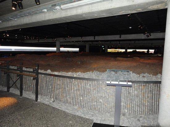 Reykjavík 871±2: The main hall excavated