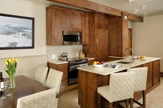 Aspen Square Condominium Hotel: Two-bedroom Kitchen