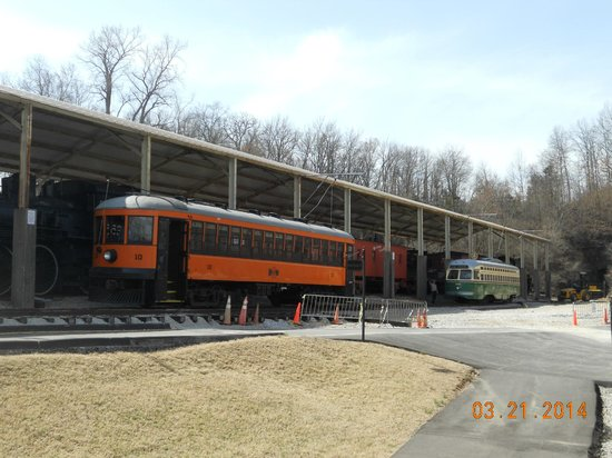 Museum of Transportation: trolleys take you to the upper train shed