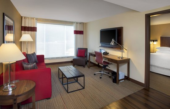 Four Points by Sheraton Charleston: Double Suite