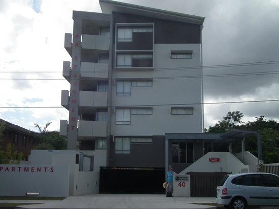 PA Apartments: View of the building