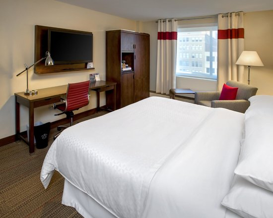 Four Points by Sheraton Charleston : Standard King