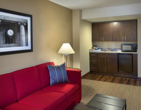 Four Points by Sheraton Charleston : Suite Kitchenett