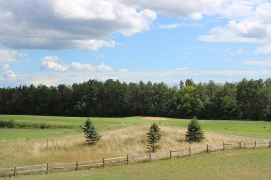 Spring Brook : 9-hole par 36 regulation golf course on property