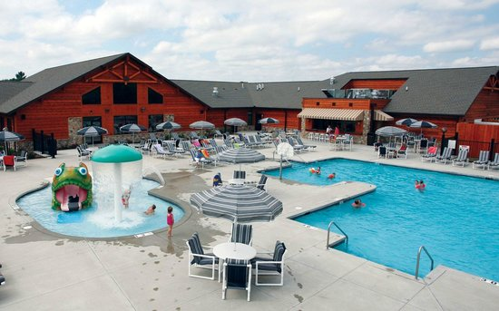 Spring Brook : Outdoor/Indoor pool with snack bar at resort clubhouse