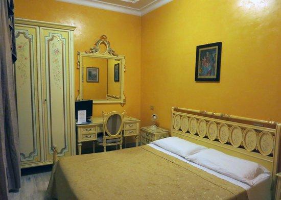 Villa San Lorenzo Maria Hotel: My room