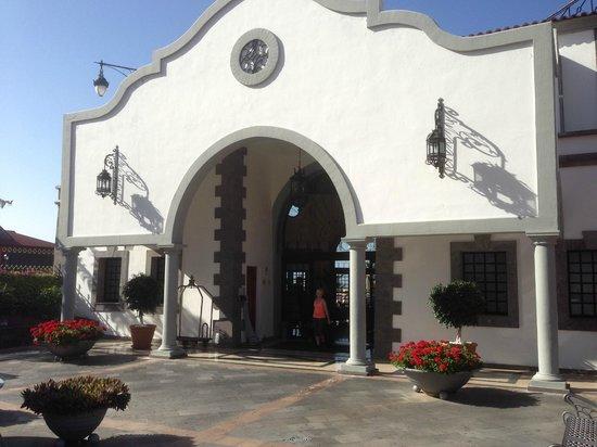 Bahia Principe Tenerife: Entrén till hotellet.