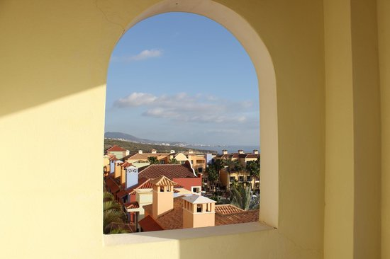 Bahia Principe Tenerife: Utsikt från vår ballkong.