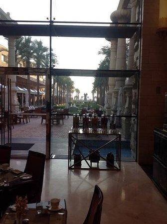 Jumeirah Messilah Beach Hotel & Spa: View from the Garden Restaurant