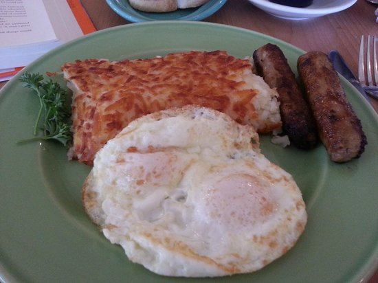 Rick's Restaurant & Bakery: Yummy Sausage and Eggs