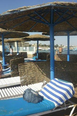Triton Empire Hotel: Plaża