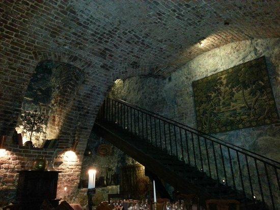 Cyrano de Bergerac : Stairs into restaurant