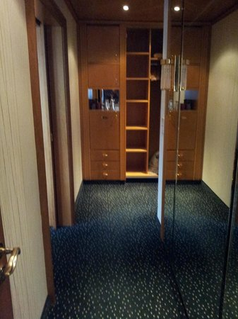 Krumers Alpin Resort & Spa: wardrobe