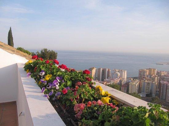 Parador de Malaga Gibralfaro : vue depuis la terrasse de la chambre