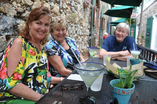 Greengos Caribbean Cantina: Lunch time with margo's!