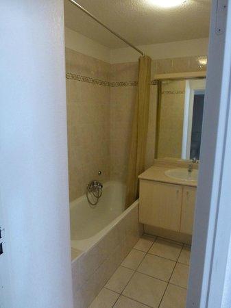 Les Calanques Du Parc : salle de bain
