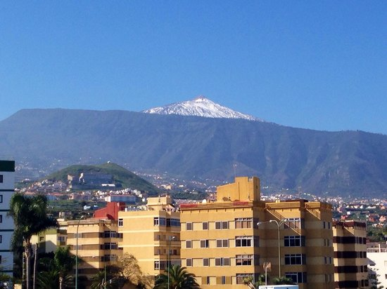 Hotel Tejuma: View of mount Teide to the left of us