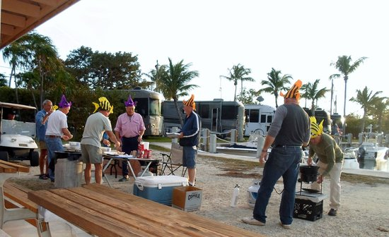 Jolly Roger RV Resort: The Jolly Roger fish fry drew in operation