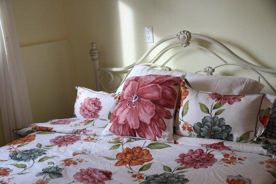 Linda's Inn B&B: Bedroom