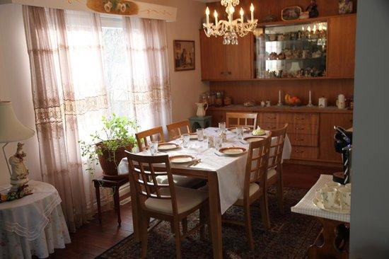Linda's Inn B&B: Upstairs Dinning Room