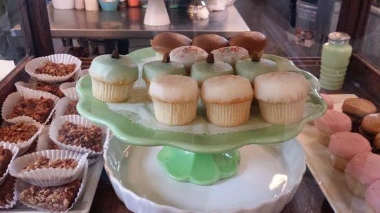 Sugar Bakeshop: Sweet tasting cupcakes