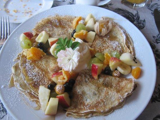 Kokopu Estate: The fruit crepes…oh, so good