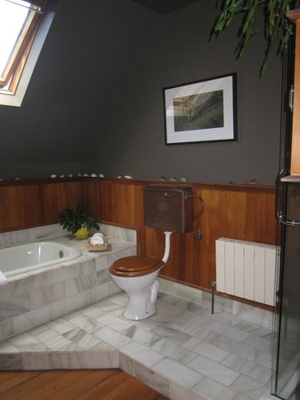 Kokopu Estate: Potager lovely bathroom