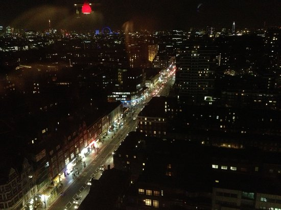 Hilton London Metropole: Towards central London: from the Japanese Restaurant on the 23rd floor.