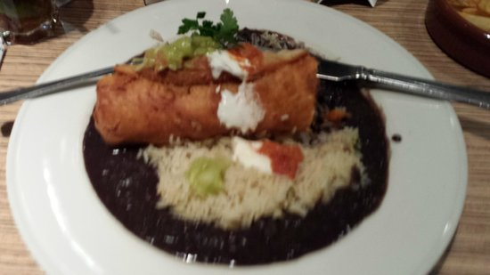 Las Iguanas O2 : Lovely Chicken Chimichanga with rice and refried beans