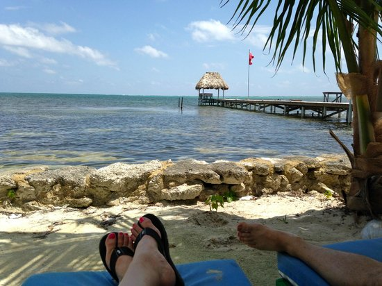 White Sands Cove Resort : palapa at the end of the dock
