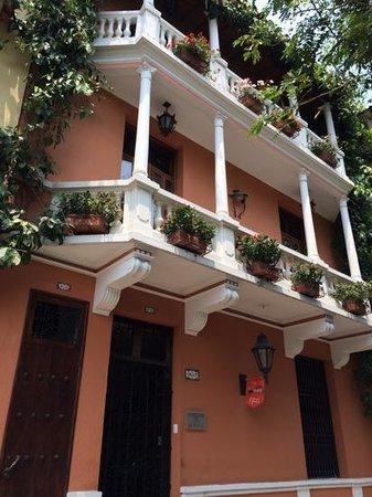 Casa La Fe - a Kali Hotel: hotel exterior: nice balconies!
