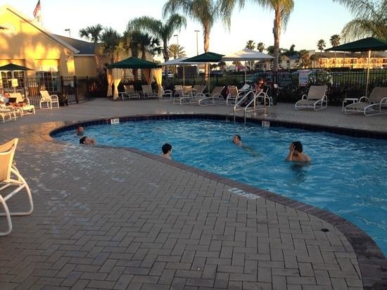 Homewood Suites by Hilton Orlando-Nearest to Univ Studios: evening swim, pool lovely and warm