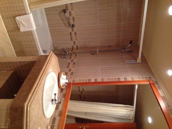 Sharm Grand Plaza: The lovely bathroom
