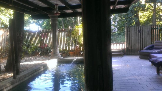 The Lily Pond House Hotel: Main Grounds