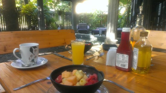 The Lily Pond House Hotel: Breakfast