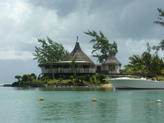 LUX* Grand Gaube: restaurante vista da praia