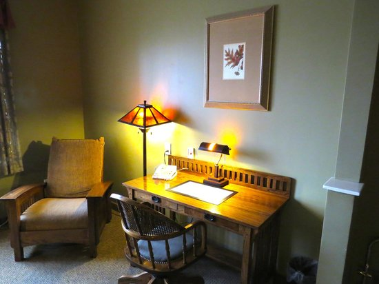 Best Western Plus Sunset Suites-Riverwalk: Desk
