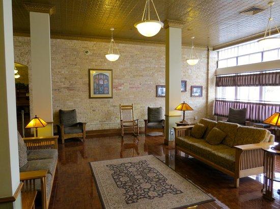Best Western Plus Sunset Suites-Riverwalk: Lobby
