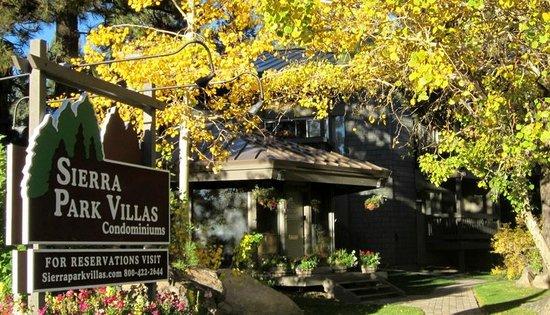 Sierra Park Villas: Front office in spring
