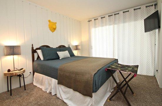 Sierra Park Villas: Suite 1- the bear head