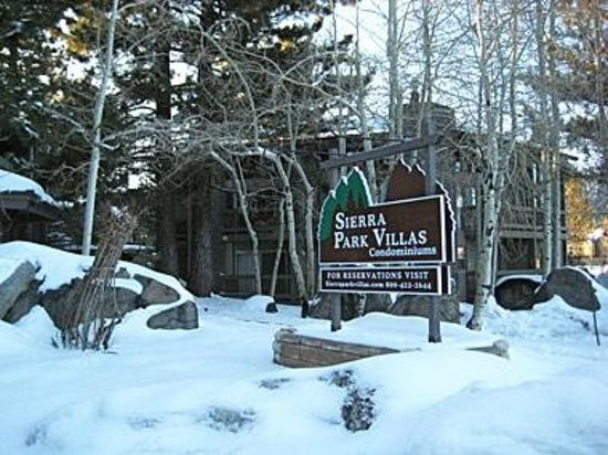 Sierra Park Villas: Front office in winter
