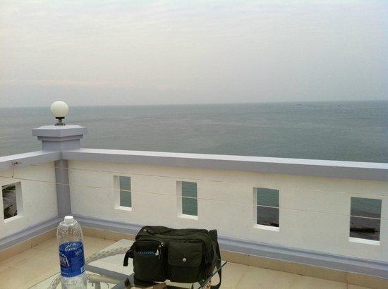 Hotel Sea Breeze: なんだかエーゲ海の(?)ホテルみたいでしょ?