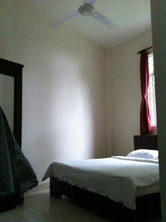 Hotel Sea Breeze: こじゃれた雰囲気のお部屋でした