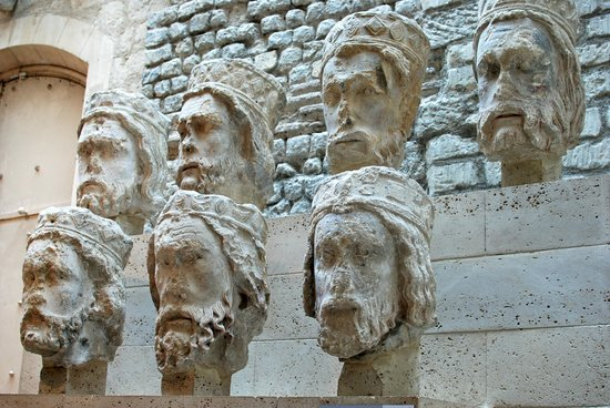 Museo Nacional de la Edad Media - Termas y Hotel Cluny: Heads removed from Notre Dame and found buried in the 9th arrondissement
