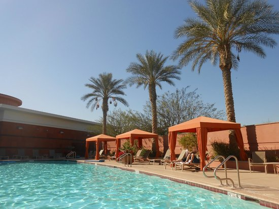 Renaissance Phoenix Glendale Hotel & Spa: Pool area