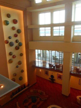 Renaissance Phoenix Glendale Hotel & Spa: Lobby decor