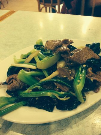 Woks-Taste Chinese Restaurant: Beef with vegetables stir fry with garlic