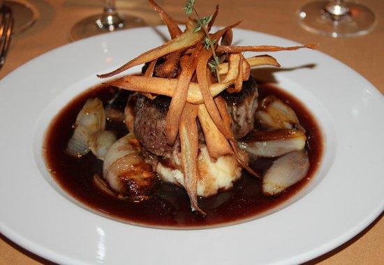 Sofia's Restaurant : Biefstuk in rode port-saus